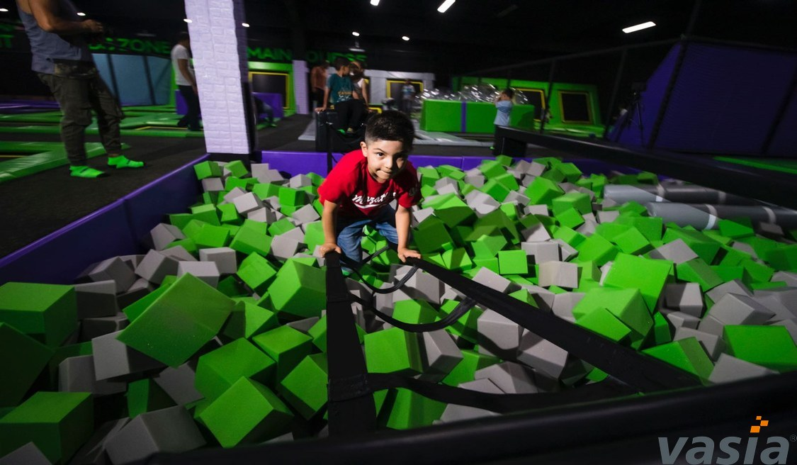 How to train instructors in the indoor trampoline park?